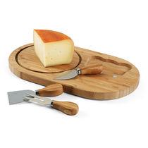 Tabla de quesos realizada en bambu personalizada